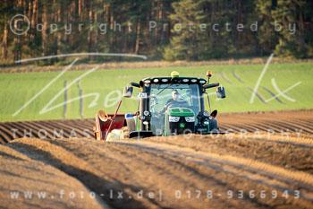 2020_04_07_Toppenstedt_Landwirtschaft_Kartoffeln_Säen-001.jpg